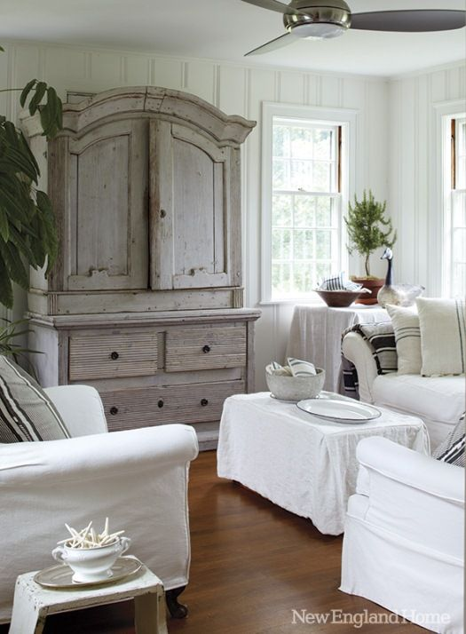 ❤Painted pine paneling, sash & paned windows, white canvas duck slipcovers, and driftwood toned furniture