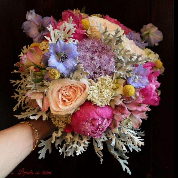 #colorful #wedding #bouquet #gorgeos #bride #fluffy #style #floral #design #floraldesign #flowers #peonies #peony #peonylove  #pivoine #fuchsia #blue #yellow #purple #silver #touch #buchet ##mireasa #nasa #nunta #bucharestflori