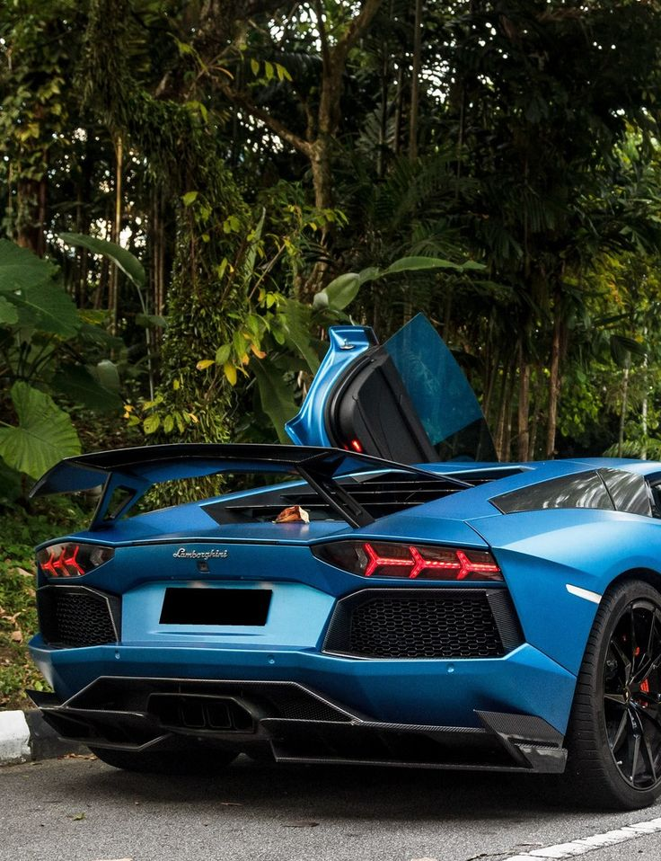 43 best lamborghini images on pinterest cool cars dream cars and nice cars. Black Bedroom Furniture Sets. Home Design Ideas