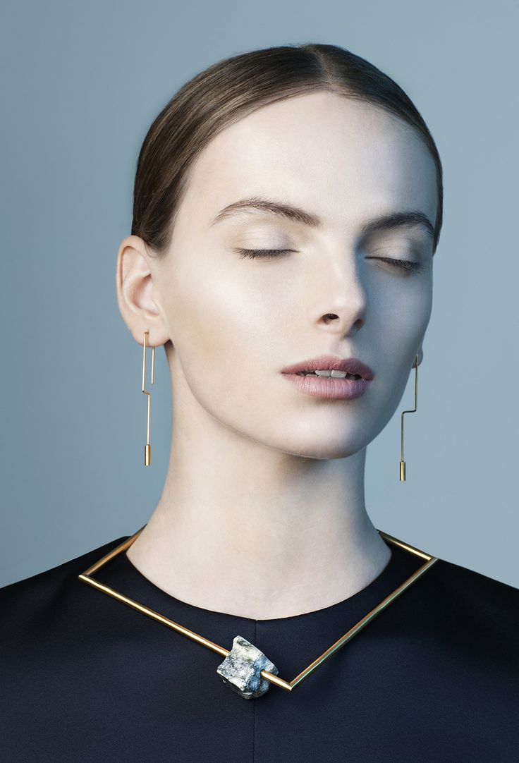 Swedish designer Malin Henningsson brings a minimal curation of brass lines…