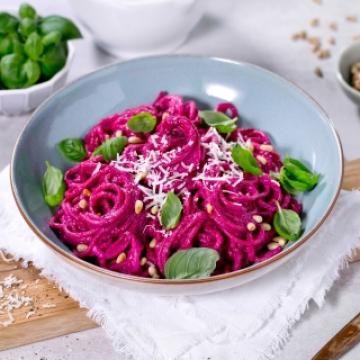Oppskrift på Spaghetti med rødbetpesto
