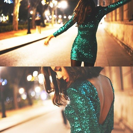 Green Sequin #latenightChristmas Parties, Emerald Green, Parties Dresses, Emeralds Green, Green Parties, Sparkly Dresses, Dresses Nye, Green Sequins, Green Dresses