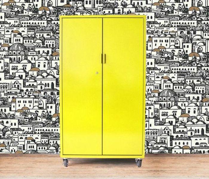 Les 25 meilleures id es de la cat gorie armoires jaunes sur pinterest armoires de cuisine Relooker armoire ancienne idees