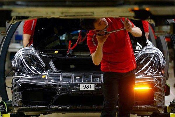 Porsche operaio Germania
