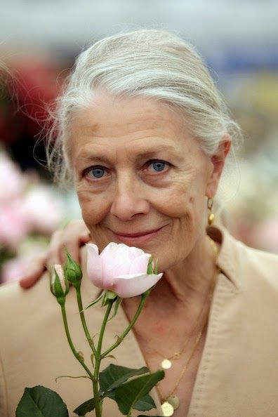 NEUTRAL HEAVEN - Interior Design and Mood Creation: Ageless Beauty - Vanessa Redgrave