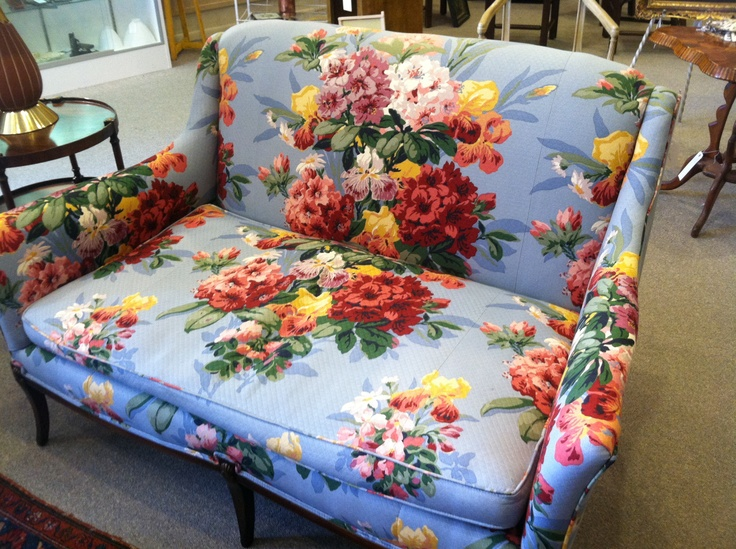 Vintage floral sofa odana antiques i love home for 80s floral couch