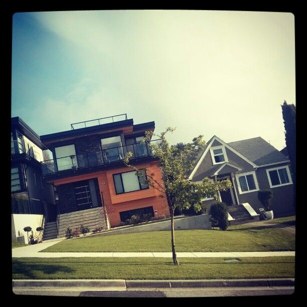 Houses in Vancouver Heights, Canada. Steep Slopes with Great Views #Vancouver #Heights District