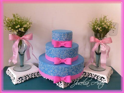 Resultado de imagem para bolo cenografico debutante azul royal e pink