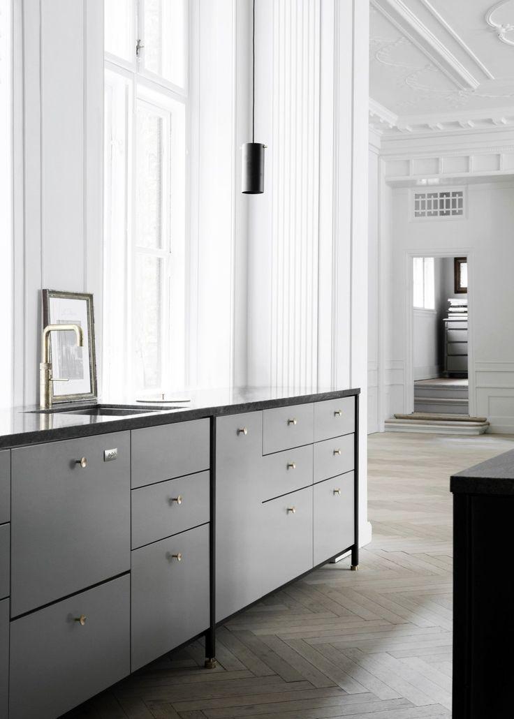 Amazing kitchen - via cocolapinedesign.com