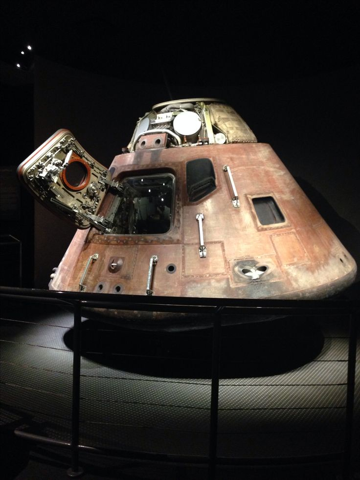 Apollo 13 capsule at Kennedy Space Center                                                                                                                                                      Mais