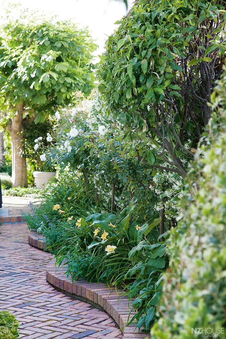 Pathways amp steppers sisson landscapes - Beautiful Border