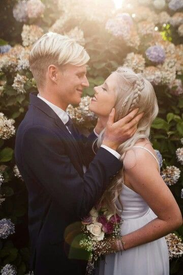 #silver #hair #bride #wedding #garden #love #youngandmarried