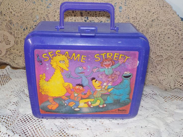 Sesame Street Lunch Box, Vintage Lunch box, Lunch Box, Preschool Lunch Box, Sesame Street, Dancing Sesame Street Characters Aladdin :) s by Daysgonebytreasures on Etsy https://www.etsy.com/listing/266562176/sesame-street-lunch-box-vintage-lunch