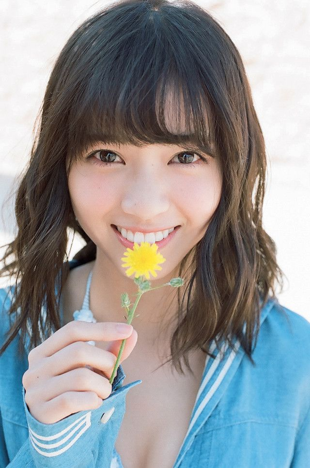 西野七瀬2nd写真集「風を着替えて」より。