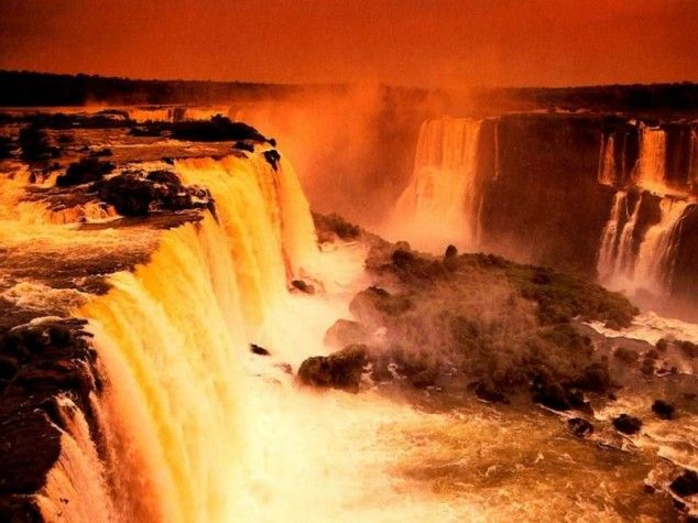 33 Amazing And Beautiful Places Around The World (Victoria Falls, Zimbabwe)