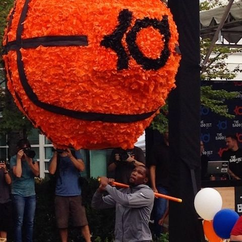 Kevin Durant Nike Celebrates Kevin Durant's Birthday With Intricate Cake, Huge Pinata - See more at: http://dimemag.com/2014/09/nike-celebrates-kevin-durants-birthday-intricate-cake-huge-pinata/#sthash.HSfQYklu.dpuf