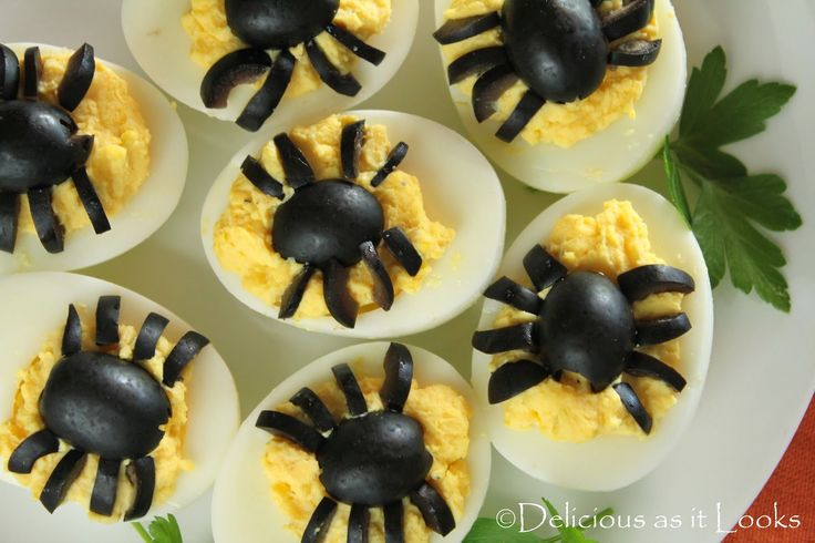 Halloween Spooky Spider Deviled Egg  |  Delicious as it Looks