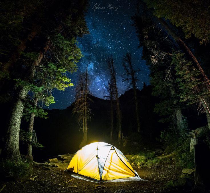 Acampamento sob as estrelas em Idaho.  Fotografia: Adrian C. Murray em 500px.