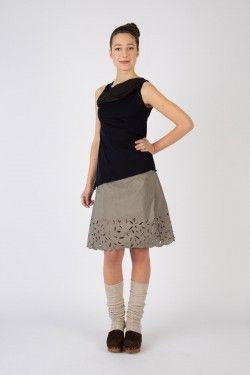 art. 12 top ciano art. 40 skirt indaco www.lospaventapasseri.it