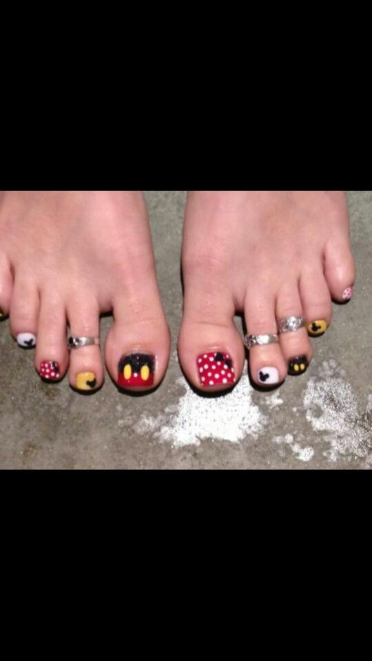 Mickey mouce acrylic toes nails