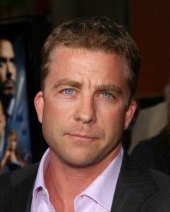 Peter Billingsley Hairstyle, Makeup, Suits, Shoes and Perfume.
