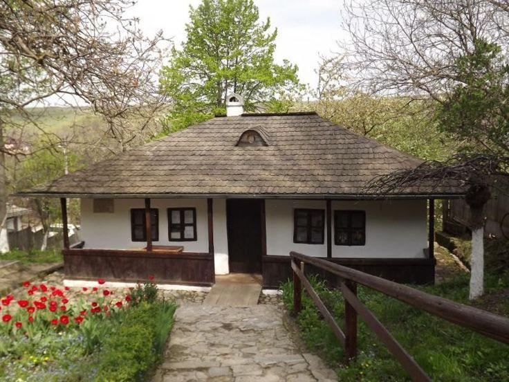 Palatul Culturii si Bojdeuca lui Ion Creanga