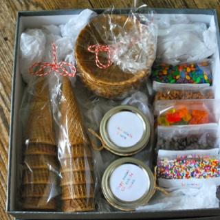 Ice cream sundae gift box