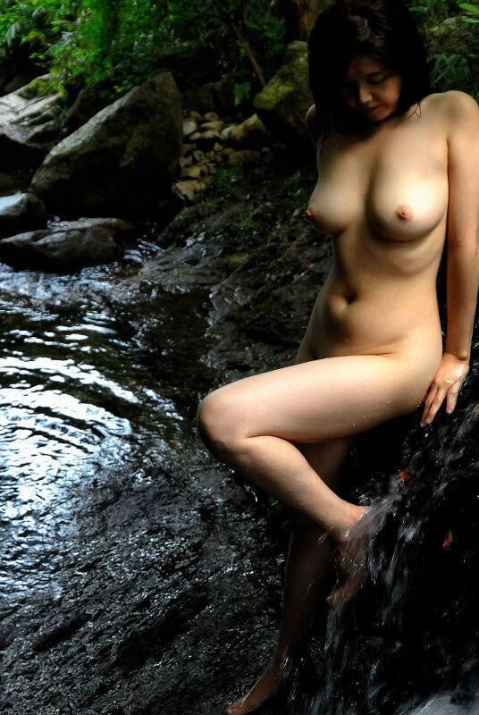 Berikut ini adalah Kumpulan Pin BBM Tante Girang Dan Model Cantik 2015a semoga bisa menghibur nantikan cerita sex video bokep dan foto telanjang yang terbaru di modelmulus.org. silahkan download fotonya dibawah ini 88 KB. Kumpulan Pin BBM Tante Girang Dan Model Cantik 2015