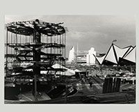 L'Arbre de la Nation en construction au chantier d'#Expo67., Novembre 1966- Chris Lund  Canada, 1923 - 1983  négative noir et blanc Musée canadien de la photographie contemporaine (nº 66-13191) || The People Tree at Expo '67 under construction., November 1966- Chris Lund  Canadian, 1923 - 1983  B&W Negative Canadian Museum of Contemporary Photography (no. 66-13191) #photography #architecture #photo