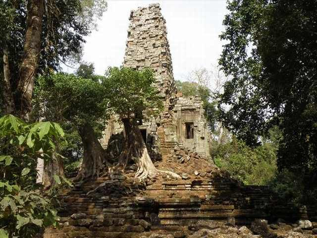 Prasat Preah Palilay. New research suggests that this entrance to a grid of canals was built as a shortcut for the ancient construction workers when building the Angkor Wat temple. This possibly explains how the temple was built in a mere 20 years.