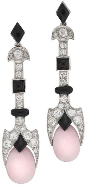 A fine pair of La Cloche Art Deco conch pearl, enamel and diamond drop earrings, via @BentleySkinner. The conch pearls suspended from a diamond and black enamel geometric top, by La Cloche Frere, circa 1920. At Bentley & Skinner.