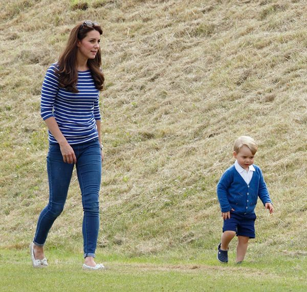 Kate Middleton Flaunts Post-Baby Body In Skinny Jeans: SHOP Her Denim For$70