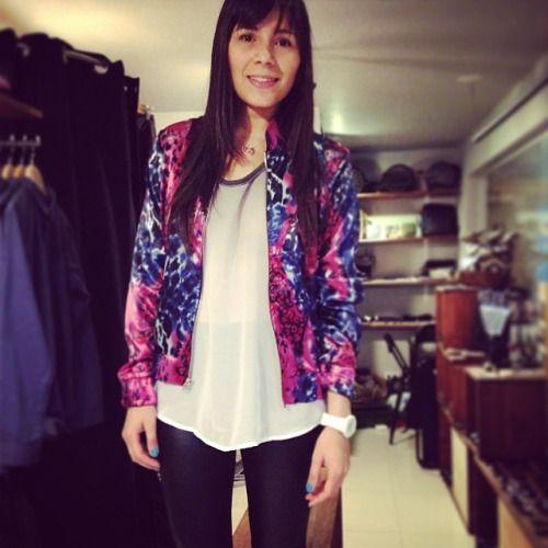 Cliente feliz con un outfit muy Pardo! Hoy 30% de descuento en colecciones anteriores. Be like Pardo! (at Pardo)