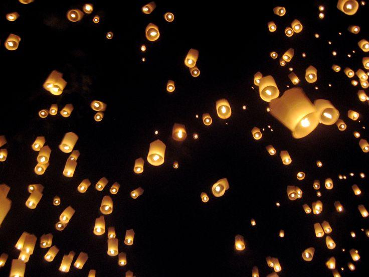 Best 25+ Floating paper lanterns ideas on Pinterest Floating lanterns wedding, Flying paper ...
