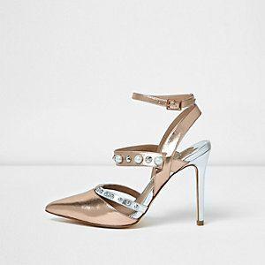 Escarpins dorés métallisés ornés à brides