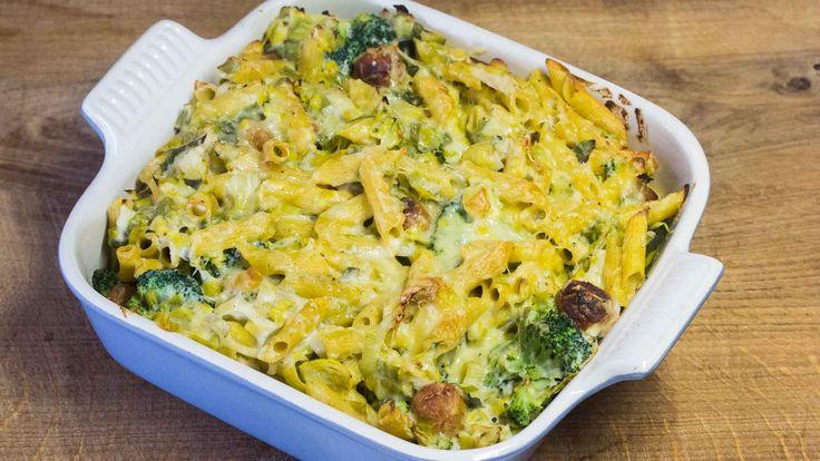 Ovenschotel met kippenballetjes, prei, broccoli en knolseldersaus