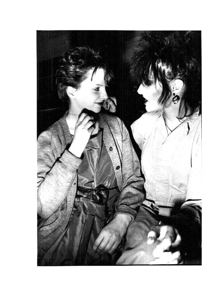 Cool photo featuring two favorites together, Siouxsie and Clare.