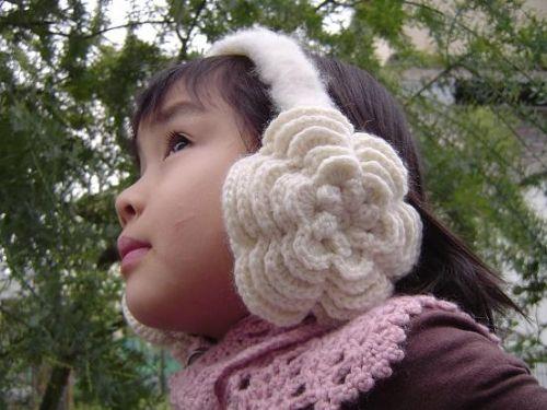 お花のイヤーマフ(耳あて)の作り方 編み物 編み物・手芸・ソーイング