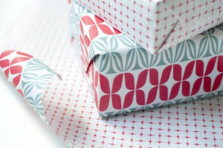 Eva&Anne Dubbelzijdig cadeaupapier - rood/wit/grijs