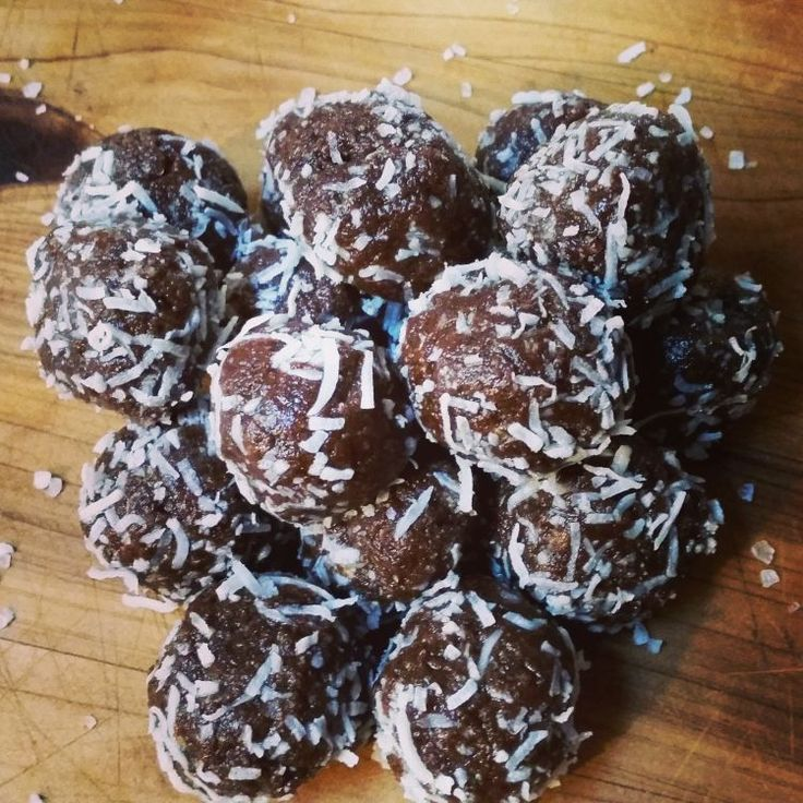 Healthy Chocolate Coconut Salted Balls
