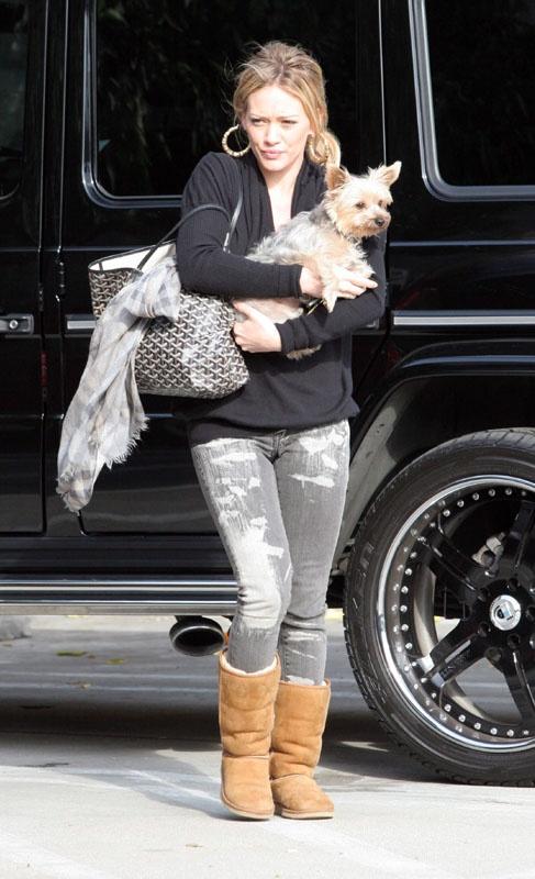 American star Hillary Duff in cold winter wear UGG Classic
