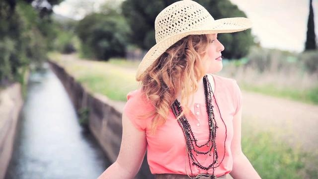 Video by Mike Madrid http://www.mikemadrid.es/Music Alice Howe http://www.alicehowe.com/Models Alice Howe