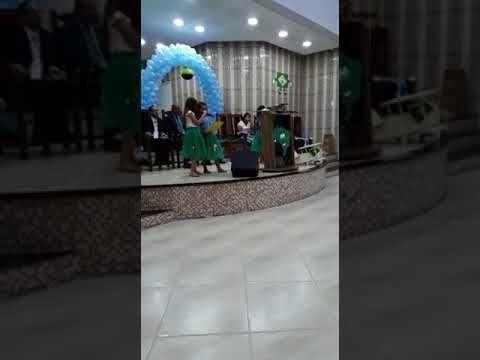 APRESENTAÇÂO DAS CRIANÇAS Menino de rua