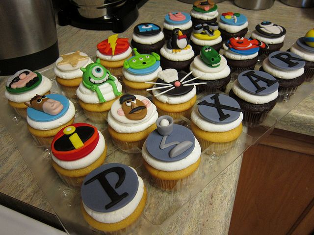 Pixar Movie Cupcakes; http://www.disneyeveryday.com/pixar-cupcakes-which-one-is-your-favorite/ (Disney Cake Diy)