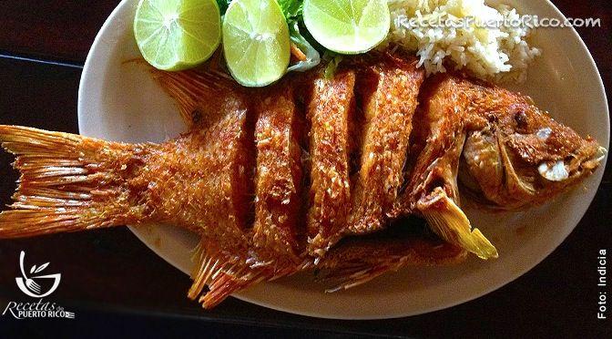 Por Andy Tous para RecetasPuertoRico.com  Ingredientes  1 chillo entero de 2 libras (limpio y escamado) ¼taza de de Adobo para Pescado 1 limon verde