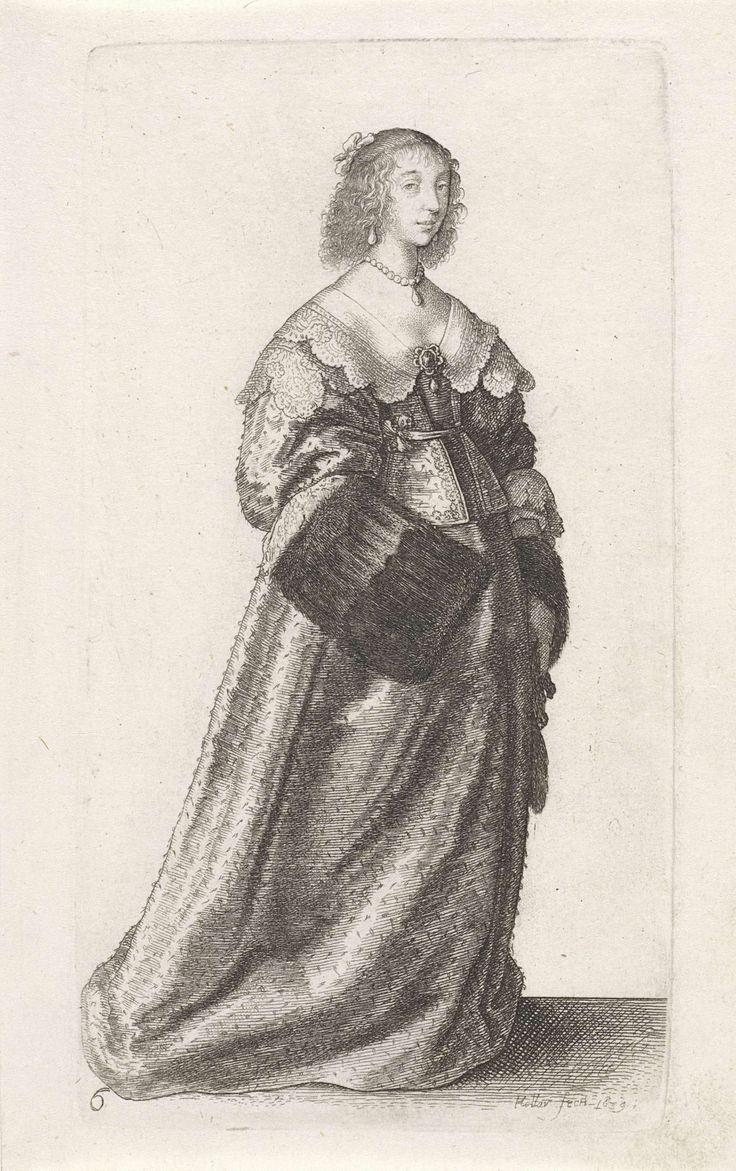 Wenceslaus Hollar | Ornatus Muliebris Anglicanus (The Clothing of English Women), Wenceslaus Hollar, 1639 | Engelse dame met het haar strak naar achteren gekamd maar op het voorhoofd en vanaf de slapen hangende gefriseerde krullen. Strik op het achterhoofd. Druppelvormige oorhangers en rond de hals een parelsnoer met druppelvormige hanger. Gekleed in een japon bestaande uit een kort lijf met lage halsuitsnijding, hoge taille, schoot, wijde halflange mouwen, op een lange, ruime rok slepend op…