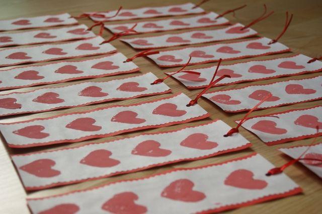 Zakładka z serduszkami upominek od dziecka z okazji Walentynek, Dnia Babci, Dnia Mamy Bookmark with hearts gift from the child on Valentine's Day, Grandma's Day, Mother's Day