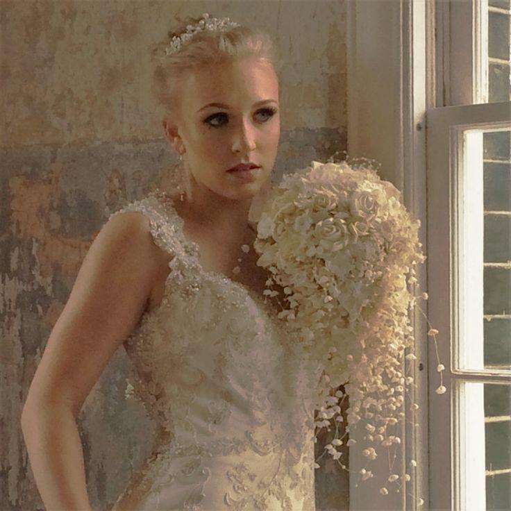 Cascata di nozze fiori matrimonio spilla di ModernWeddingTrends