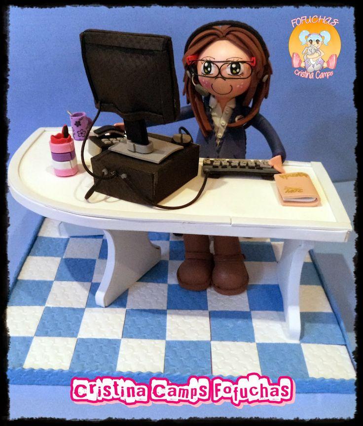 Cristina Camps Fofuchas: Fofucha teleoperadora
