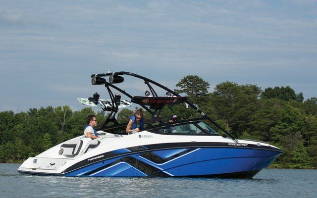 2014-yamaha-sx240-ho-jet-boat-call-for-blowout-pricing